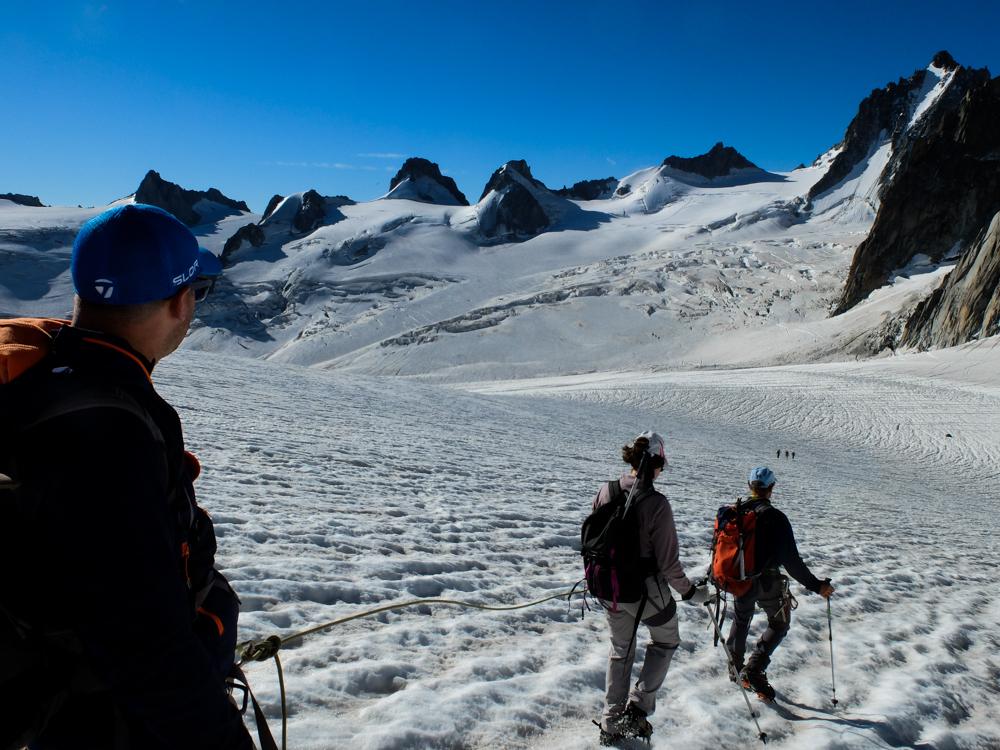 La descente vers le glacier du Géant